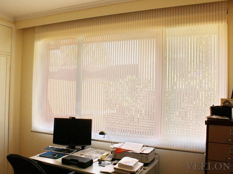 Veelon Melbourne roller blinds white ivory stripe